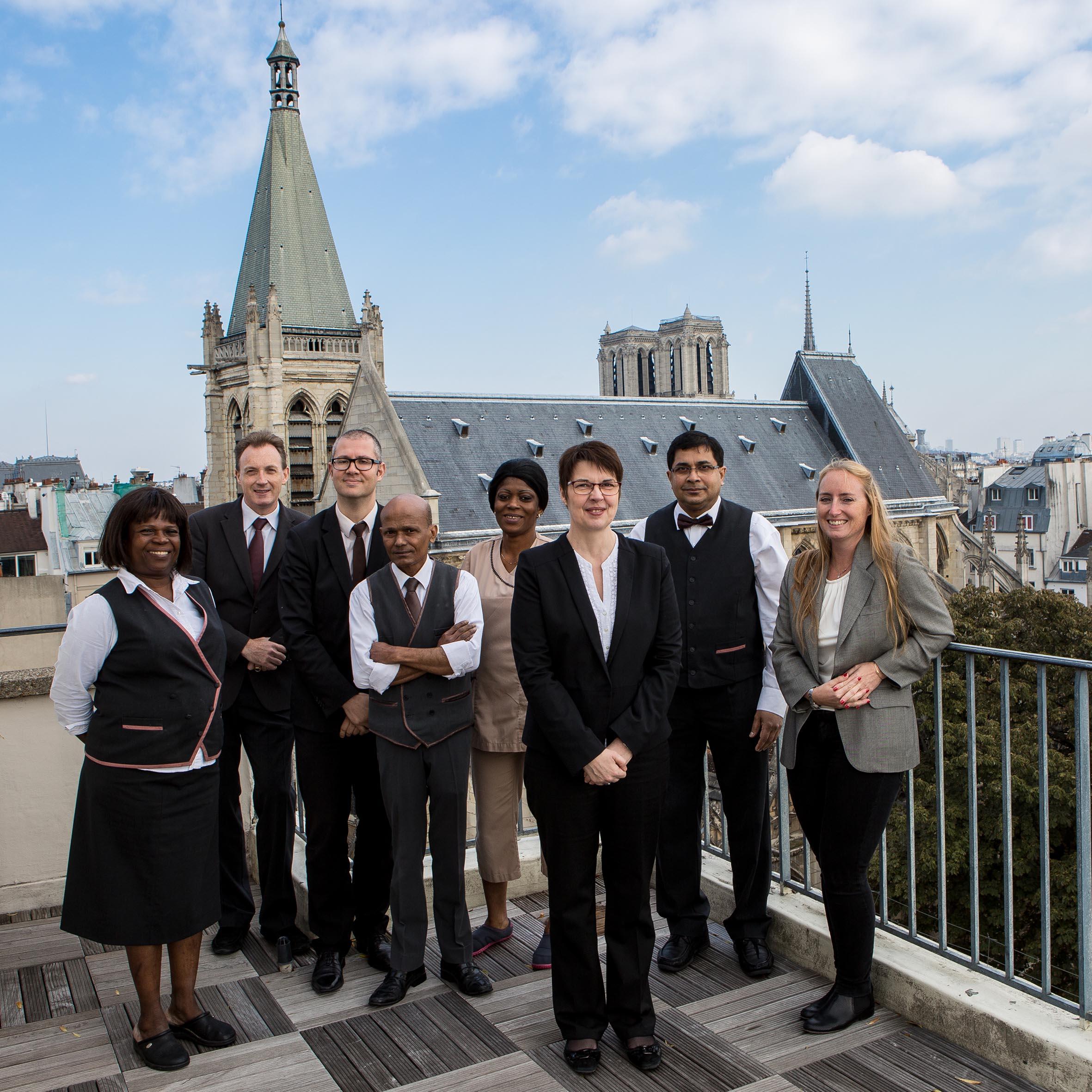Une équipe sincère à l'écoute de vos besoins - Hôtel Parc Saint Séverin