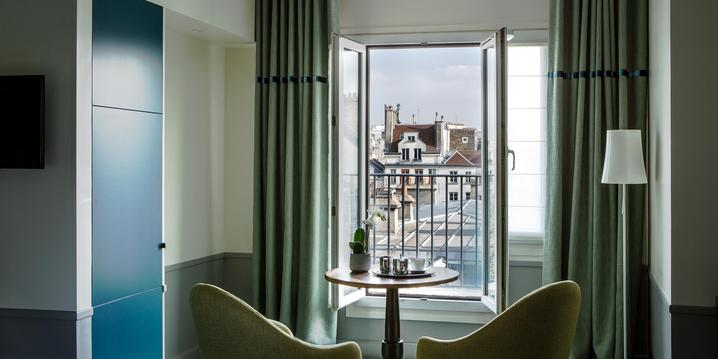 A superior room with terrace at the Hotel Parc Saint Severin